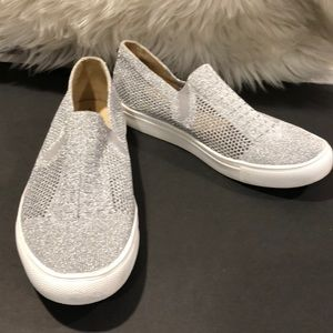 3ec318f5781 Steve Madden Freeda silver Mesh sneakers